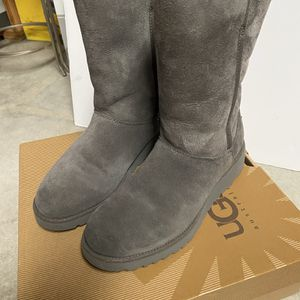 Ugg's Kids 4 for Sale in Cypress, CA