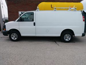 2009 Chevy Express 2500 Cargo Van for Sale in Cleveland, OH
