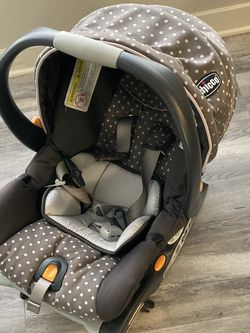 Chicco Keyfit Car Seat and 2 Bases for Sale in Los Angeles,  CA