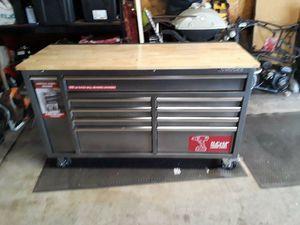Husky Tool Box for Sale in Anaheim, CA