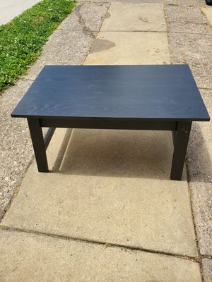 NICE TV STAND OR CAN BE USED AS A COFFEE TABLE for Sale in Philadelphia, PA