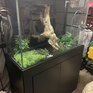 Aquarium With Stand & Accessories for Sale in Los Angeles, CA
