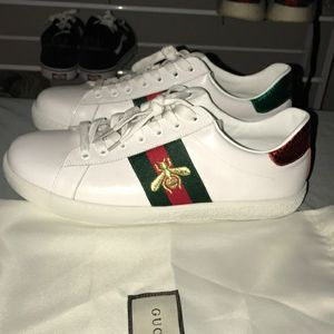 Gucci shoes like new for Sale in Lake Forest, CA