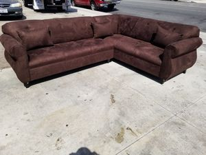 NEW 9X7FT DARK BROWN MICROFIBER SECTIONAL COUCHES for Sale in Tulare, CA