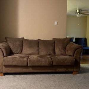 Couch With Pull Out Bed Inside for Sale in Lakewood, WA