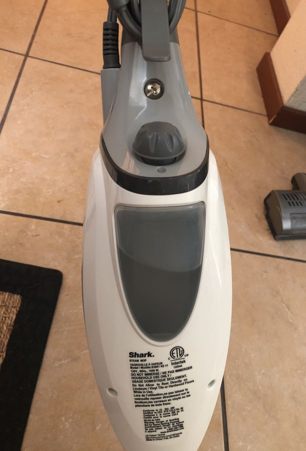 Professional Shark Hard-Floor Steamer