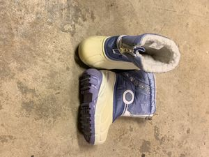 Toddler size 6 baby girl snow boots for Sale in Ontario, CA