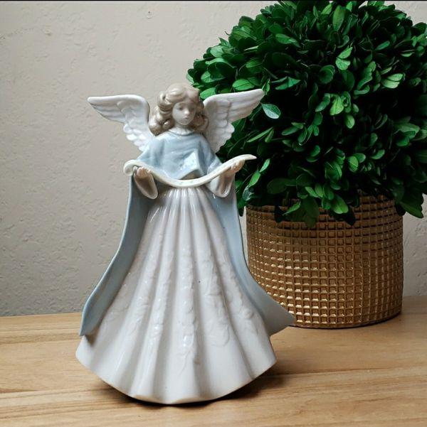 Vintage Lladro #5875 Tree Topper Figurine