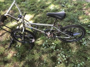 Boys Bmx giant for Sale in Tigard, OR