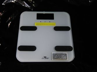 Crane body fat bathroom scale glass digital new. No box. for Sale in Miami,  FL