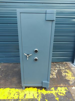 Large TL30 Safe For Guns or Jewelry 2800 pounds for Sale in Fort Lauderdale, FL