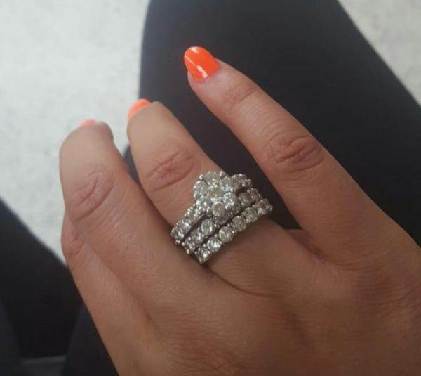 Lady's Diamond Engagement rings