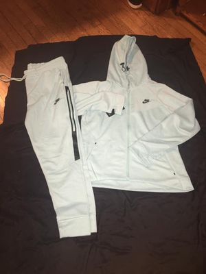 Women's NIKE JOGGERS for Sale in West Allis, WI