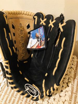 "Louisville Slugger 14"" KHB 1400 Extra Soft Lining Gloves for Sale in Dumfries, VA"