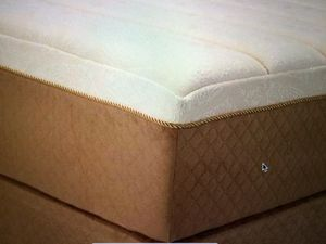 Brand-new king or queen solid memory foam mattress and box set 400 for Sale in Kansas City, MO