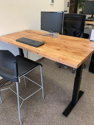Reclaimed Douglas fir sit-stand office desk for Sale in Tigard, OR
