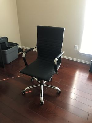 Office Chair (Like New) for Sale in Keller, TX