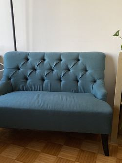 Tufted Teal Settee (loveseat) for Sale in Brooklyn,  NY