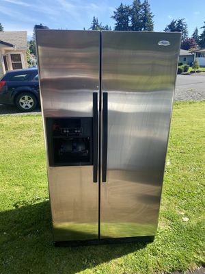 Whirlpool Refrigerator for Sale in Portland, OR