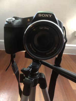 SONY CYBER SHOT CAMERA LIKE NEW for Sale in Miami Beach, FL