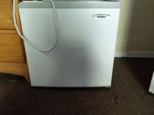 Haier Mini Fridge for Sale in Waterbury, CT