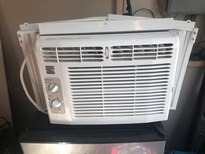 Kenmore AC Unit for Window (barely used) for Sale in Natrona Heights, PA