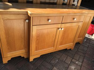 Free buffet hutch- 2 pieces, look at both pics, item in driveway for Sale in Piedmont, CA