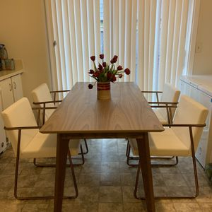 Herman Miller Dalby Table With Chairs for Sale in Tacoma, WA