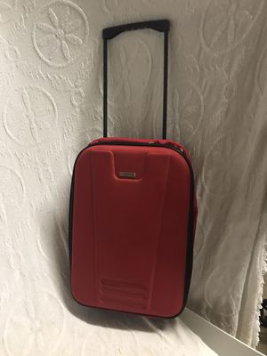 Red Global Tour Suitcase for Sale in Raleigh, NC