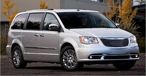 2006 Chrysler Town n Country LX Minivan for Sale in Dallas, TX