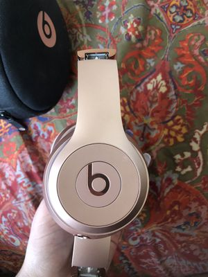 Beats Rose Gold Solo 3 wireless headphones for Sale in Murray, UT