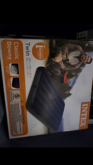 Intex - twin air bed for Sale in Compton, CA