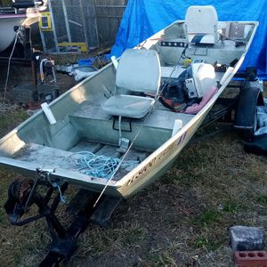 14 Foot Jon Boat, Trailer And More for Sale in Orlando, FL