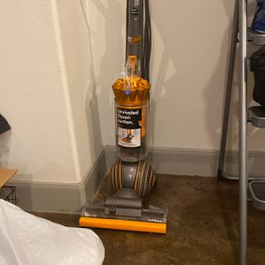 Dyson Ball Multifloor Vacuum for Sale in Houston, TX