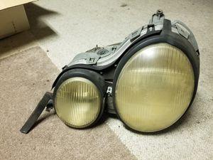 Mercedes 96 97 98 99 E300 E320 Left Side Headlight Part # 144 345 00. for Sale in Sacramento, CA