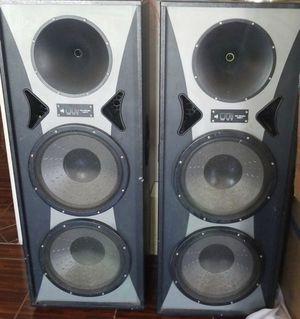 Pro studio Mac II speakers with radio/CD player for Sale in Sanger, CA