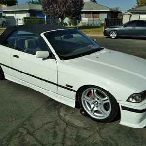 ***** COOL BMW ***** for Sale in Madera, CA