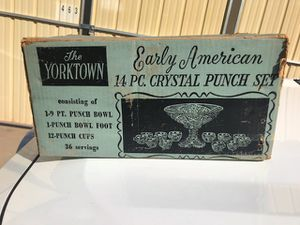 The yorktown early american crystal punch bowl set for Sale in Sanger, CA