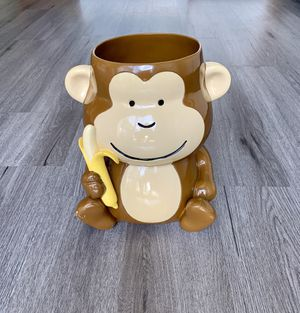 Monkey with banana wastebasket or cookie jar for Sale in Lancaster, OH