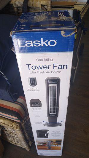 LASKO OSCILLATING TOWER FAN for Sale in Phoenix, AZ