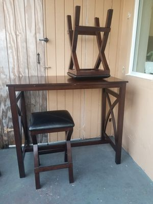 Bar height table w/ 2 stools for Sale in Miami, FL