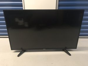 Toshiba 43 in 1080p LED TV with wall mount for Sale in Woodbridge, VA