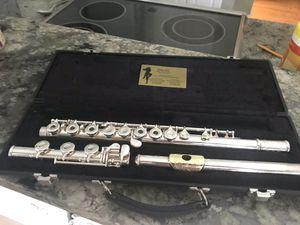 Semi professional silver flute for Sale in Tampa, FL