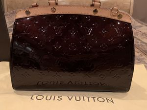 Louis Vuitton Hand Bag for Sale in Glenview, IL