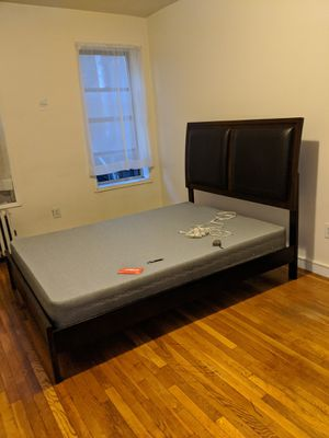 Queen size box spring and bed frame for Sale in PECK SLIP, NY