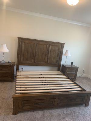 5 piece bedroom set for Sale in Simpsonville, SC