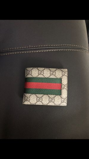 Gucci wallet for Sale in Vienna, VA
