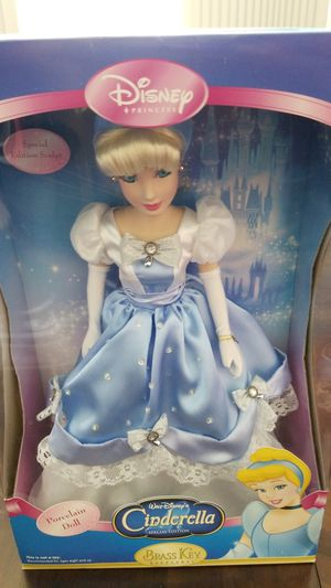 Brand new Cinderella special edition porcelain doll for Sale in Kissimmee, FL