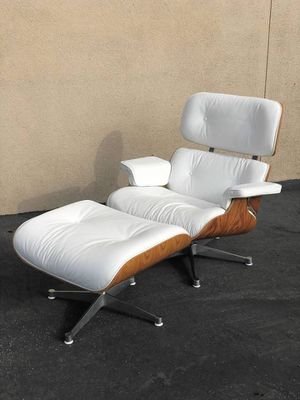 MID CENTURY MODERN LOUNGE CHAIR & OTTOMAN PLEASE READ THE ADD for Sale in Long Beach, CA