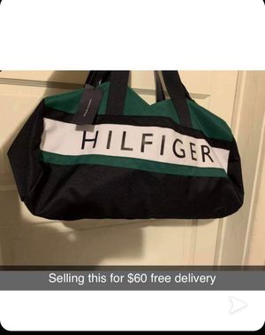 Tommy Hilfiger duffle bag for Sale in Broadview, IL